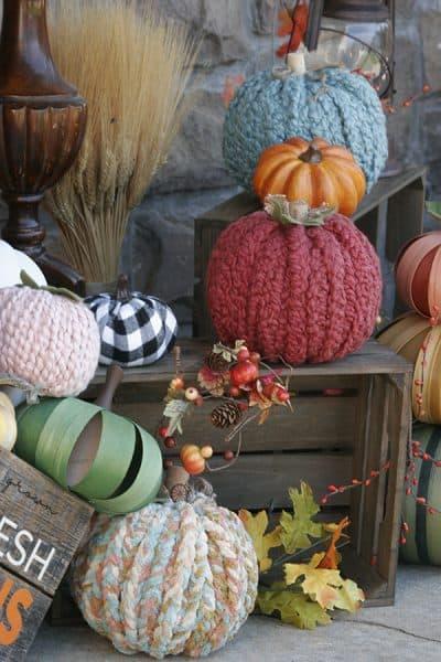 Chunky yarn pumpkins
