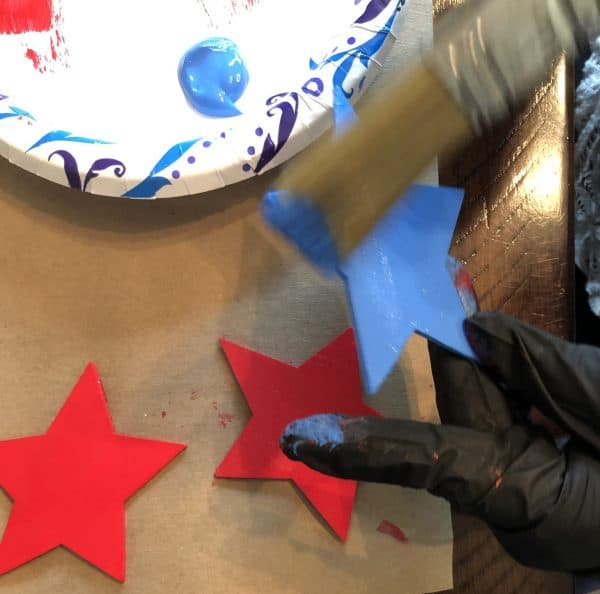 Painting wooden stars